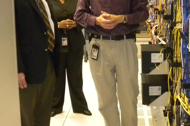 Deputy CIO/G-6 visits Fort Gordon Network Enterprise Center