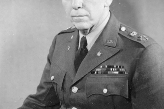 "General of the Army:George Catlett Marshall (1880-1959). Promoted to the ""Five-Star"" rank of General of the Army, December 16, 1944. Chief of Staff of the United States Army, September 1939 to November 1945.  (U. S. Army Signal Corps Photograph Collection)."