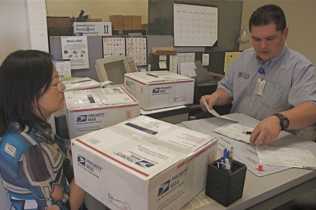 Women's association sends holiday care packages to troops