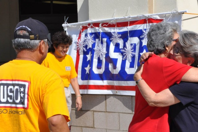 USO collects holiday cheer for Hawaii's wounded warriors