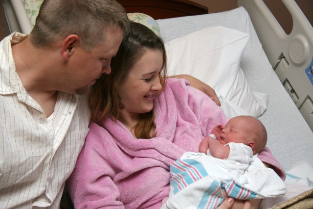 Evans Army Hospital delivers first Fort Carson 2010 baby