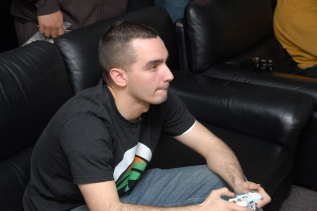 Soldiers play new Call of Duty game in BOSS tourney