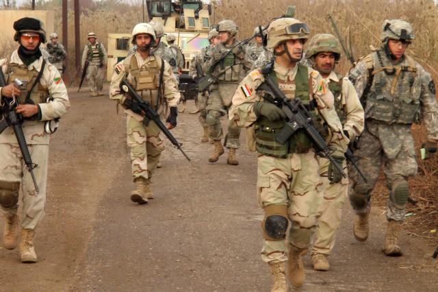 Combined U.S.-Iraqi patrol