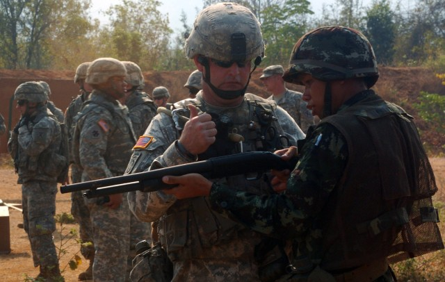 Class familiarizes US, Thai Soldiers with non-lethal weapons