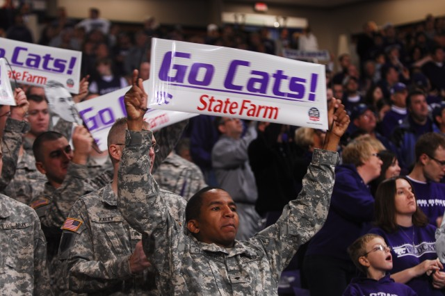 '1st Lightning' Soldiers support Wildcats on 'GameDay'