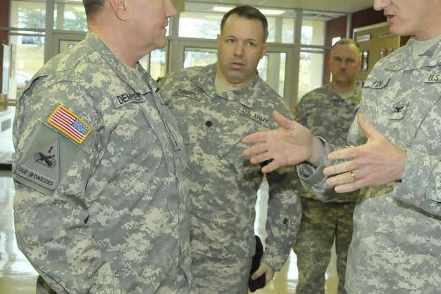 Gen. Dempsey visits Fort Sill to observe seamless training at schools
