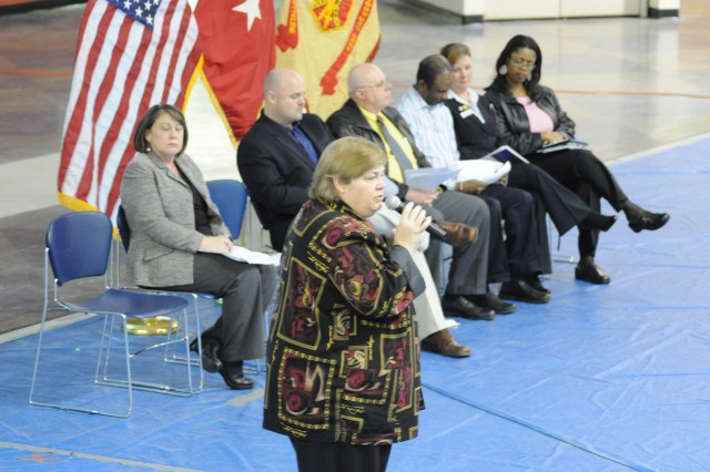 Housing draws praise at town hall