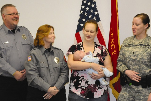 Fort Drum 911 dispatchers, MP help woman deliver baby in bathtub