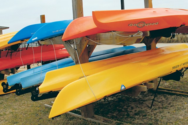The Destin Army Recreation Area has watersport rentals available including kayaks, jet skis and pontoon boats.