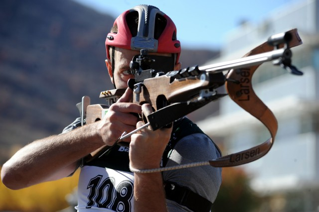 Teela shoots standing in biathlon