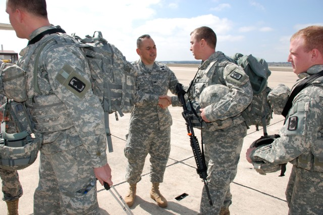 470th Military Intelligence Brigade deploys Soldiers to Afghanistan