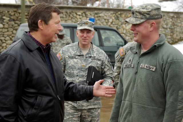 U.S. Congressman Earl Pomeroy visits N.D. troops in Kosovo