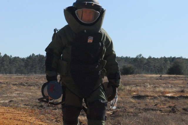 Sergeant Evan Cameron, 731st EOD Co., sets out to detonate an IED during a Vanguard Focus training exercise with 3/7 Inf. Regt. Soldiers at Fort Stewart, Feb. 28.