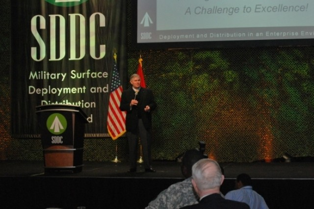 Guest speaker Bryan Townsend gives an insightful and entertaining presentation to transportation and logistics experts from government, military and industry at the SDDC 2010 Training Symposium in Atlata, March 10.