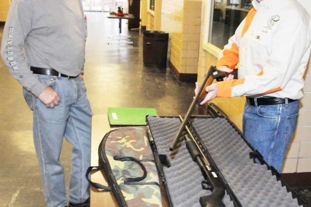 Fort Rucker hunters participate in education class
