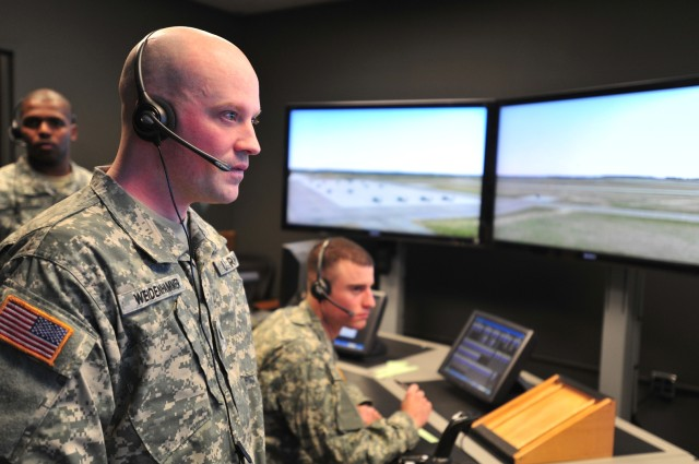 Air traffic controllers get (nearly) live training