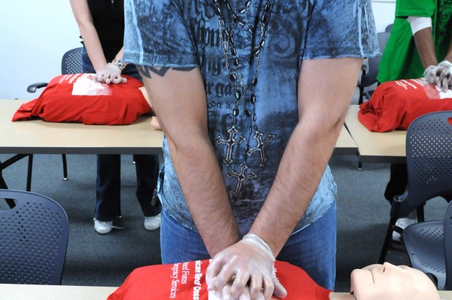 Staff Sgt. Kenneth Shields, B Company, Warrior Transition Battalion, practices CPR during the hands-on portion of the first aid training provided by the American Red Cross March 12 at Fort Bliss, Texas. (Photo by Pfc. Jennifer Kennemer, 16th MPAD)