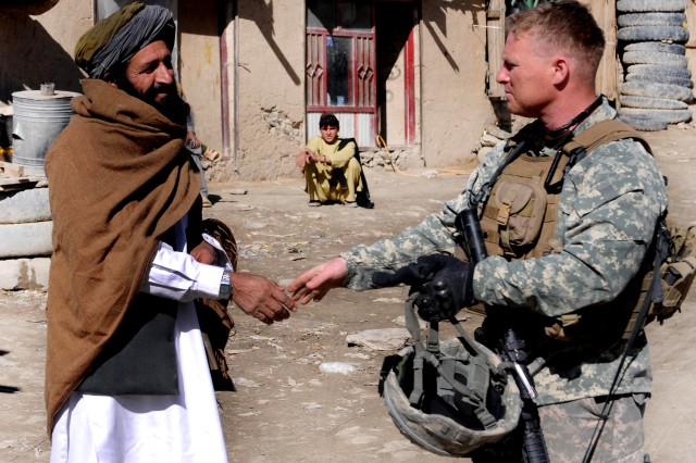 Success in Afghanistan achievable, Petraeus says