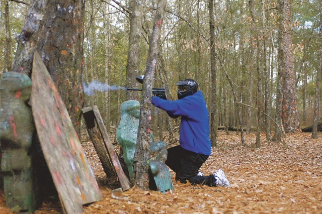 Soldiers place sights on paintball