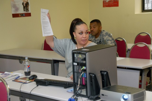 Warriors learn how to apply for a federal job