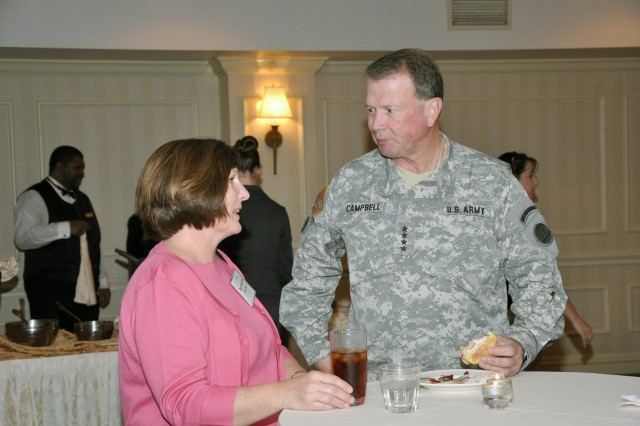 FORSCOM AFAP conference delegates arrive for duty