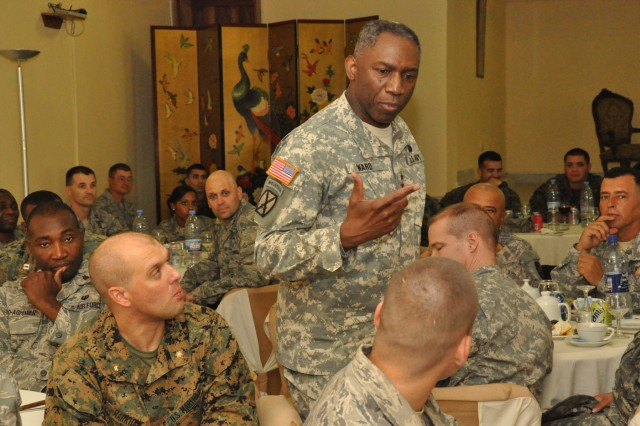 Ward challenges U.S. military mentors to be model professionals for Liberian soldiers