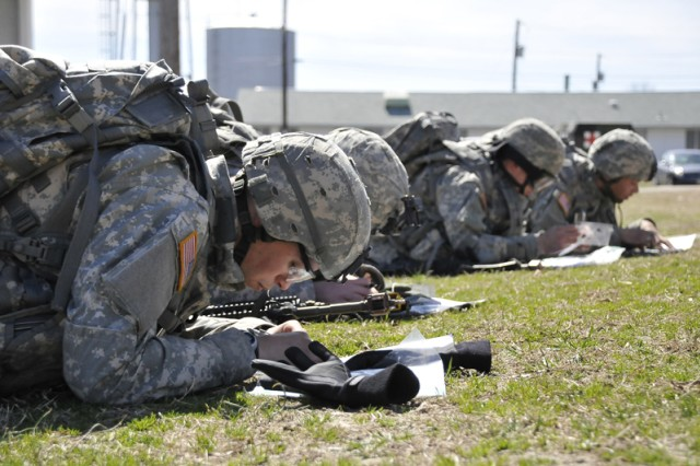 Expert Infantryman Badge candidates map out