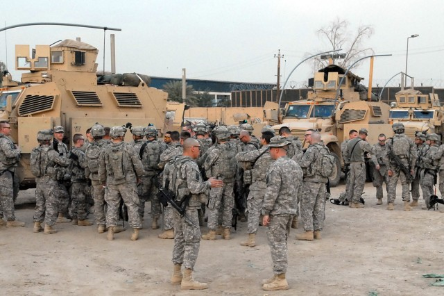 2-15 FA Soldiers Say Farewell to Iraqi Counterparts at JSS Shield