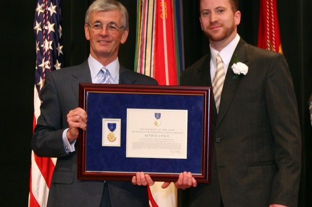 Kevin Lynch awarded Decoration for Exceptional Civilian Service