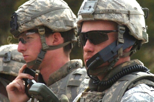 Soldiers conduct platoon live-fire lanes