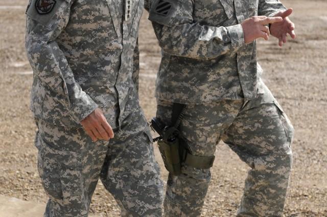 Gen. Casey visits 1-3 AAB