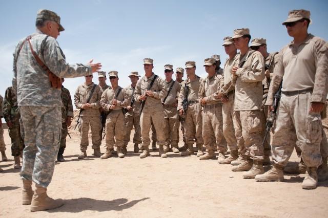 CSA talks with Marines