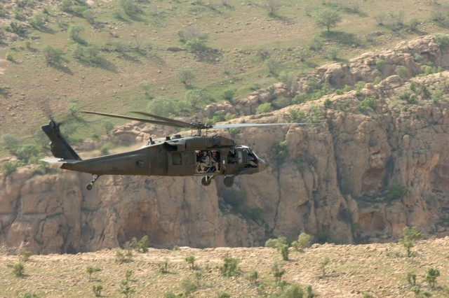 Task Force Wings' Personnel Recovery Force Soldiers are transported in northern Iraq by a Hawaii-based UH-60L Black Hawk helicopter operated and maintained by air crews of 2nd Battalion, 25th Aviation Regiment, Task Force Diamond Head, April 1.