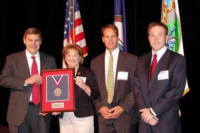 Fort Lee earns award