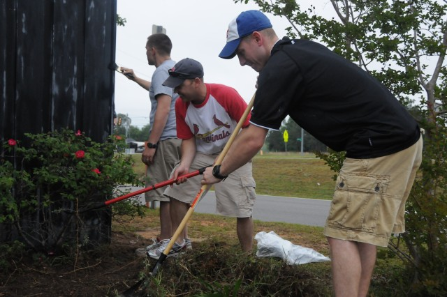 Fort Rucker Soldiers, students beautify Northview campus