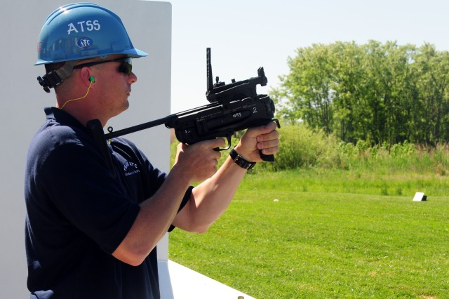 XM25 lets Soldiers eliminate targets they can't see