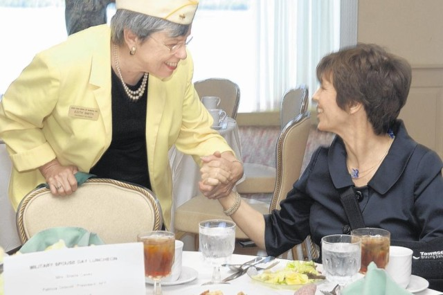 Foundation, Fort Belvoir honor military spouses