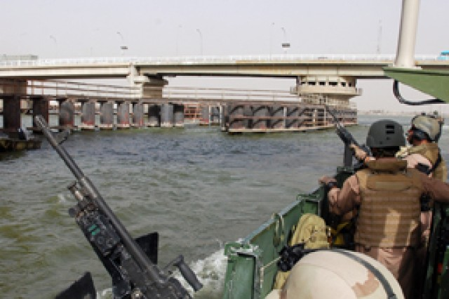 New Riverine squadron gets feet wet in Basra
