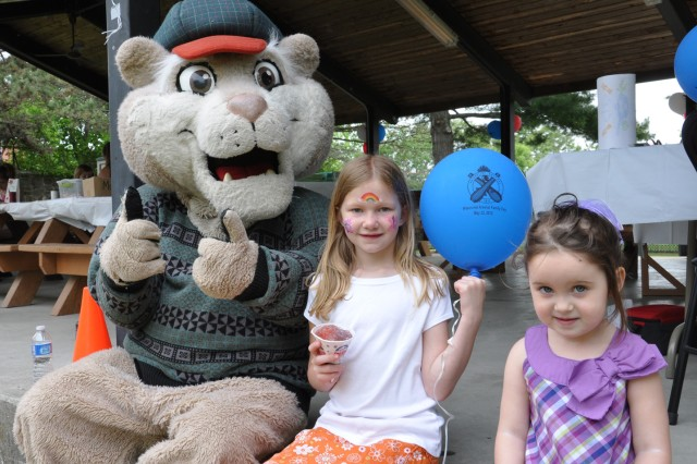 Tri-City ValleyCats' Baseball mascot, Southpaw, was a big hit with the kids of all ages during the Arsenal Family Day event.  Southpaw experienced that half of the kids loved him, while the other half ran away from him.