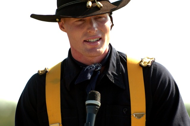 FORT HOOD, Texas-Capt. Jay Bunte relinquishes command of the 1st Cavalry Division's Horse Cavarly Detachment, here, May 27, to Capt. David Jackson. Bunte served as the HCD commander since 2008.