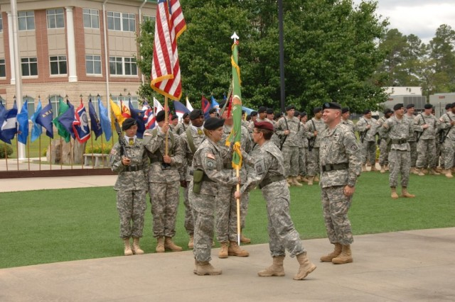 385th MP Bn changes command