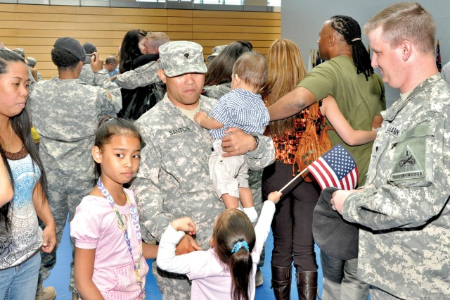 Soldiers return home from Iraq