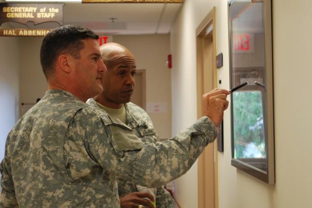 CECOM Commander Hosts Visit of AMC Senior Leader