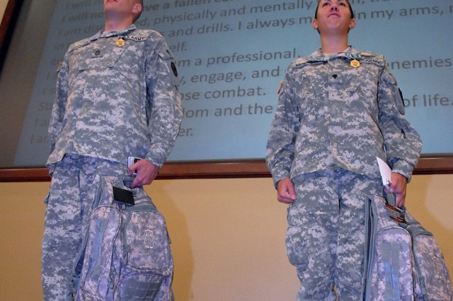 Combined Arms Center selects top Soldier, NCO