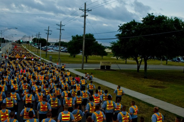 FORT HOOD, Texas - Nearly all of the more than 20,000 1st Cavalry Division Soldiers took part in a celebratory run to commemorate the Army's 235th Birthday, here at Fort Hood, Texas, June 14.
