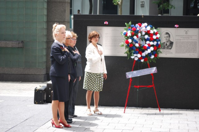 Gold Star Mothers honored the fallen with a wreath and paused during the playing of Taps at the Vietnam Veterans Memorial Plaza June 14. (U.S. Army photo by Harry Sarles, OCPA-Northeast)