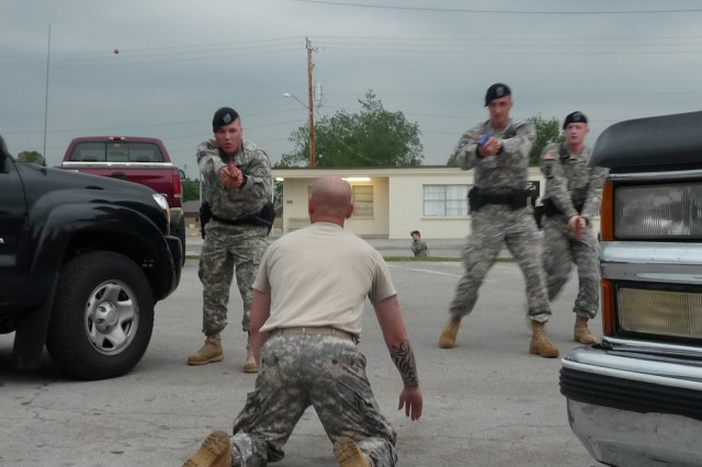 Soldiers with the 716th Military Police Battalion, 101st Sustainment Brigade, conduct Active Shooter training at Fort Campbell.