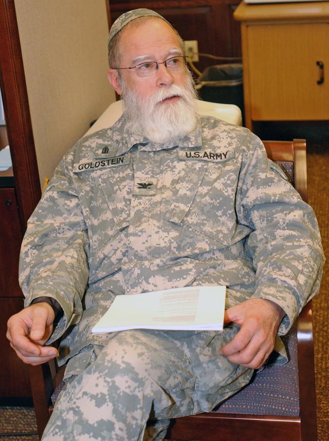 Rare Army Rabbi Serves Soldiers