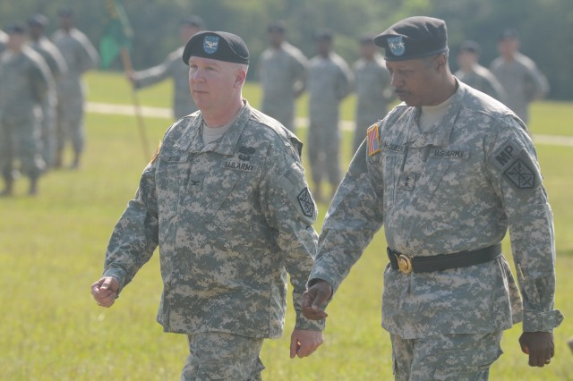 208th Reservists farewell commander