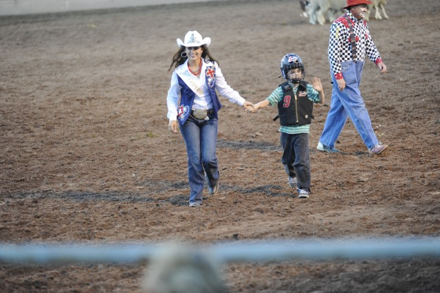 Pikes Peak or Bust Rodeo entertains, honors Fort Carson Soldiers